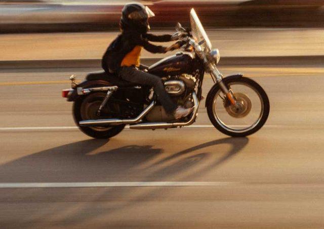 Spalla: motociclisti e ciclisti più a rischio di lussazione, ma l'artroscopia la risolve